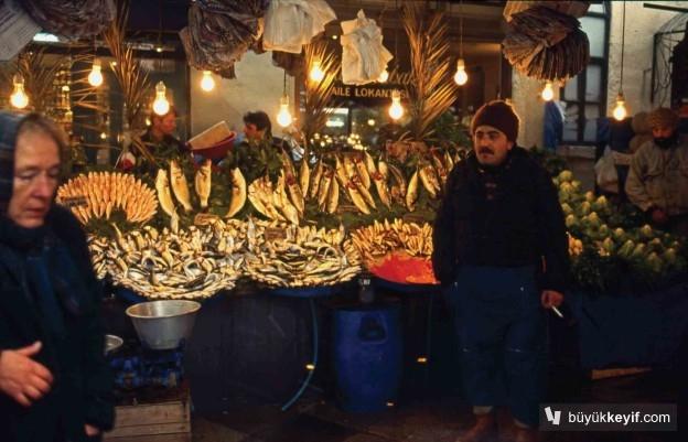 BESIKTAS BALIK PAZARINDA BALIKCI- 1996