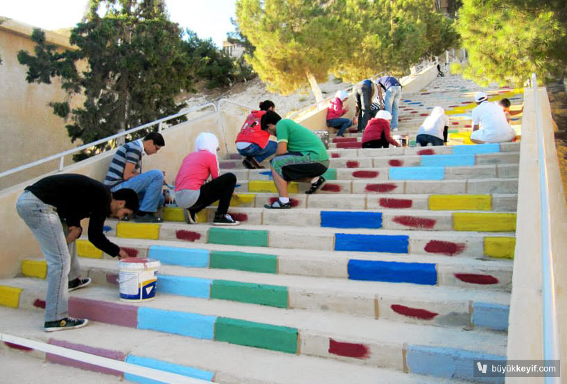 colorful-stairs-in-syria-designboom-03