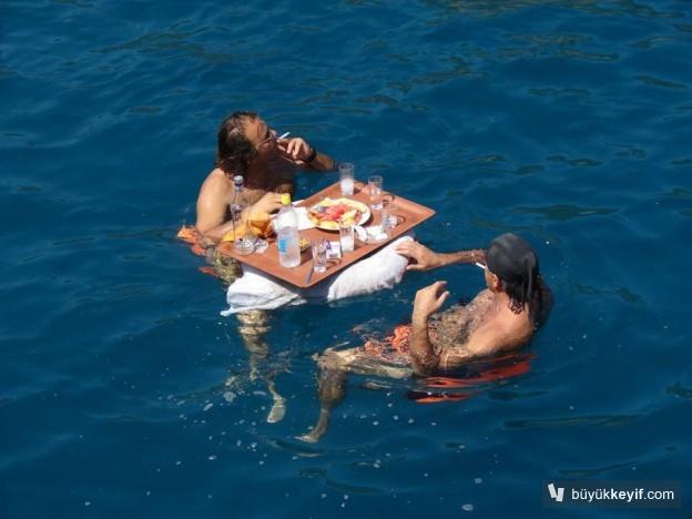 denizde-raki-keyfi
