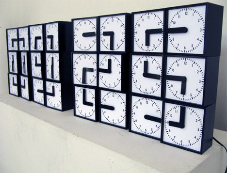 digital-analog-dynamic-retro-futuristic-clock-design