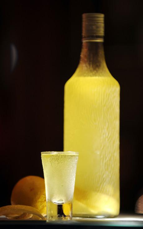 Bir sarı votka daha....